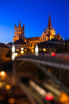 Cathédrale de Lausanne. Right in the center of the city, it's beautiful- especially at night!  #ywamlausanne
