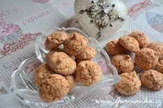 kokosky z tvarohového těsta 4 bílky (z velkých vajec) špetka soli 150 g cukru 1…