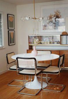Vintage Modern, Vintage Home Decor, Vintage Apartment Decor, Bedroom Vintage, Home Interior Design, Interior Decorating, Decorating Ideas, Room Interior, Decorating Bathrooms