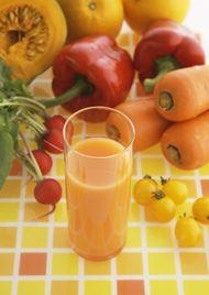 オレンジジュース対オレンジ:身体に良いのはどっち? :世界の最新健康・栄養ニュース