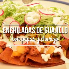 Enchiladas de chile guajillo y papas con chorizo Think Food, I Love Food, Good Food, Yummy Food, Tasty Videos, Food Videos, Easy Dinner Recipes, Easy Meals, Great Recipes
