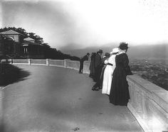 The Lookout, Mount Royal Park, Montreal, QC, 1916. From the McCord Museum.