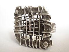 Massive original silver ring.  combination skin / knitting / Antique / polishing