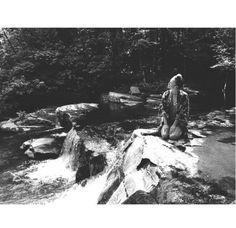 Raquel Zimmermann dans le Vermont nature lac forêt inspiration bohème http://www.vogue.fr/mode/mannequins/diaporama/la-semaine-des-tops-sur-instagram-juillet-2015/21751/carrousel#raquel-zimmermann-dans-le-vermont