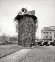 "Washington, D.C., 1923. All it says here is ""Dept. of Agriculture."" Back when the place was run by the Keebler Elves. National Photo Company."