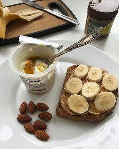 Yummy tasty food aesthetically pleasing toasted peanut butter banana yogurt almond honey Think Food, I Love Food, Good Food, Yummy Food, Tasty, Healthy Snacks, Healthy Recipes, Breakfast Healthy, Breakfast Ideas