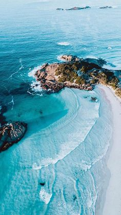 Beautifully blue water at Twilight Beach, Esperance, Western Australia