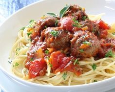 Nigella's spaghetti and meatballs, def one of my fave recipes! Easy and always delicious :)