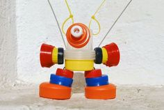 Recycled Robot, Recycled Crafts, Art For Kids, Crafts For Kids, Arts And Crafts, Tapas, Bottle Top Crafts, Arte Robot, Minis