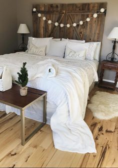 4 Effortless Headboards You Can Adapt To Your Personality - March 09 2019 at Farmhouse Bedroom Decor, Home Decor Bedroom, Diy Home Decor, Bedroom Ideas, Bedroom Designs, Bedroom Styles, Pretty Bedroom, Cozy Bedroom, Girls Bedroom