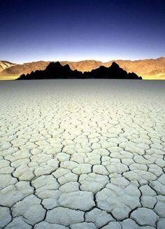 Death Valley playa -- Racetrack