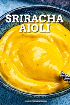 This creamy sriracha aioli recipe is easy to make and real, made with egg yolk, oil and sriracha, not mayo. Make with a whisk, food processor or blender. Sriracha Mayo Recipe, Sriracha Aioli, Spicy Aioli, Aioli Recipe, Spicy Chicken Recipes, Crockpot Recipes, Cooking Recipes, Homemade Aioli, Homemade Sauce