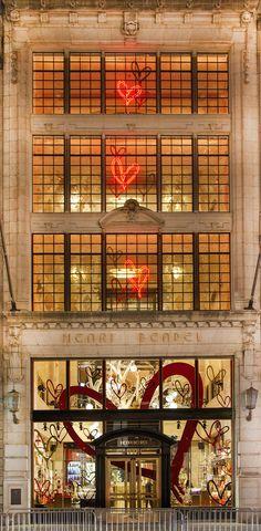 Best Christmas Windows, Christmas Windows New York 2016, New York Christmas Windows, New York Christmas Windows 2016, Henri Bendel, Henri Bendel Christmas Windows 2016, Henri Bendel Holiday Windows 2016