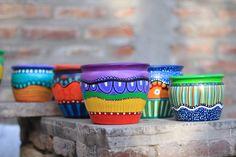 Painted Plant Pots, Painted Flower Pots, Flower Pot Crafts, Clay Pot Crafts, Clay Pot People, Pottery Designs, Diy Planters, Ceramic Decor, Pottery Painting