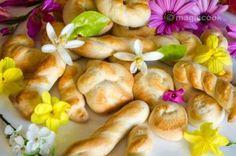 Πασχαλινά κουλουράκια Garlic, Vegetables, Food, Google, Essen, Vegetable Recipes, Meals, Yemek, Veggies