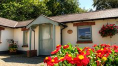 Sandpiper Cottage - sleeps 6 Self Catering Cottages, Local Pubs, Holiday Accommodation, Bude, Country Estate, Dog Friends, Cornwall, Glamping, Outdoor Structures