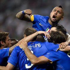 #ArturoVidal Arturo Vidal: #siamoinfinale grandi ragazzi