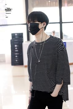 Dont hide your face, please  #yugyeom #gyeomie #got7