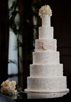 Big Wedding Cake Images : 1000+ images about wedding cakes on Pinterest Big ...
