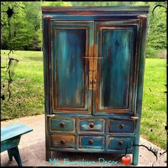 50 Unique and Antic Distressed Furniture Ideas - hoomdesign Refurbished Furniture, Paint Furniture, Repurposed Furniture, Furniture Projects, Furniture Makeover, Coastal Decor, Diy Home Decor, Coastal Style, Coastal Curtains