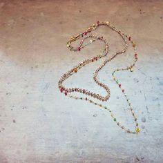 Magic💫✨bit.ly/RTR2016AW #rodrigoandtherose #necklace #finejewellery #diamond #gemstones #ruby #opal #emerald #turquoise #layers #magicspells #christmaslights #deckthehalls #gold #handmade #preciousgems #magic #fairylights #daisychain #preciousjewellery #atelier #madeintaly #indiedesigner #bibbidibobbidiboo