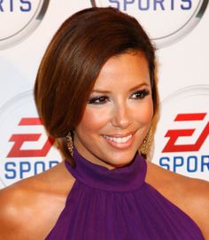 Want to show off your gorgeous multidimensional brown hair dye job? Smooth out your bob and tuck it back.