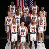 Magic Johnson, John Stockton, Michael Jordan, Scottie Pippen, Clyde Drexler, Charles Barkley, Chris Mullin, Karl Malone, Larry Bird, Christian Laettner, Patrick Ewing y David Robinson