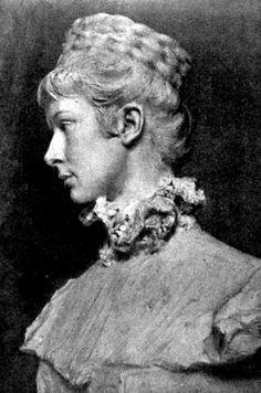 Erzsébet királyné mellszobra Telcs Edétől.