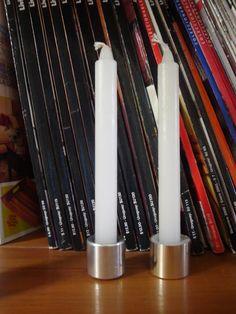 Tapitas de perfumes usadas como candelabros - Lo Atamos Con Alambre -www.lacaloatamosconalambre.com