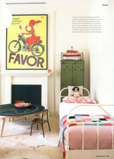 such a cute space.  i wish i could find some tiny, antique children's beds like this.  where are they!?