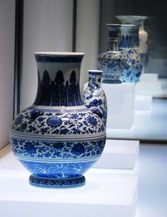 Qing dynasty :blue and white porcelain
