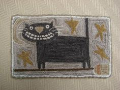 Hooked rug black cat by Rebecca Lindquist love her rugs! Rug Hooking Designs, Rug Hooking Patterns, Cat Rug, Hand Hooked Rugs, Primitive Hooked Rugs, Primitive Stitchery, Wool Applique Patterns, Rug Inspiration, Textiles