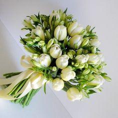 yau flori_buchet cu lalele si alstroemeria