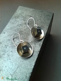 hematit fülbevaló (MisCats) - Meska.hu