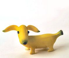 banana dachshund--Syd look at this! This proves you were destined to get a dachshund!banana dachshund, I think kids would eat more fruit if they looked this cute!banana dachshund -- I have this, along with several other fruit & vegetable animals, and L'art Du Fruit, Fruit Art, Peanut Butter Banana Bread, Reeses Peanut Butter, Cute Fruit, Cute Food, Funny Food, Vegetable Animals, Fruit Sculptures