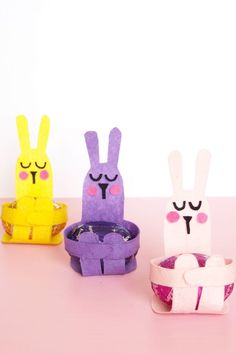Want to do crafts with the kids? Then here's Easter Egg Bunny Hugs. Once you've dyed and decorated your eggs, have your little ones craft these adorable bunny-shaped holders to display their egg-cellent creations......http://www.paperandpin.com/kids-craft-easter-egg-bunny-hugs/