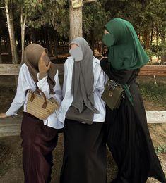 Modern Hijab Fashion, Muslim Fashion, Modest Fashion, Fashion Outfits, Casual Hijab Outfit, Hijab Chic, Niqab, Cute Modest Outfits, Hijab Style Tutorial