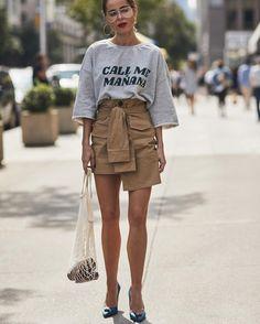 "59af1beb20 StreeTrends on Instagram: ""📸: Szymon Brzóska @thestylestalkercom #Nyfw  #springsummer2018 #readytowear #ss18 #newyorkfashionweek #ootd #style # fashion #chic ..."