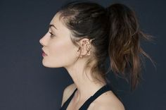 Phoebe Tonkin Fake Piercings http://www.paire.us/shop/index.php/designers-a-z/rodarte/gold-dragon-ear-cuff.html