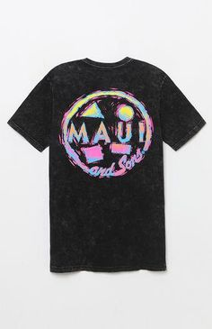 Sport some retro surf vibes on top in the Maui & Sons Rad Cookie Washed T-Shirt. It has a crew neck, a soft washed fabrication, and bold Maui & Sons graphics at the left chest and back.    Washed tee  Maui & Sons graphics on front and back  Crew neck  Short sleeves  Machine washable