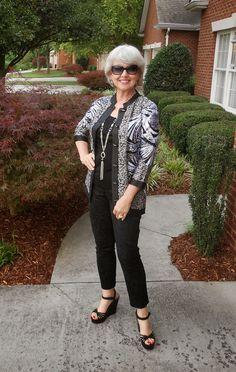 Beautiful Casual Styles For 50 Year Old Woman Ideas 30 Women's Fashion Dresses, Boho Fashion, Fashion Tips, Fashion Trends, Petite Fashion, Fashion Spring, Fashion Clothes, Fashion Ideas, Womens Fashion Casual Summer