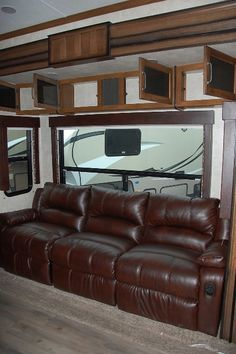 2015 Carbon 297 Rear Garage Toy Hauler Fifth Wheel | Kitsmiller RV