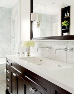 Marble Bathroom Top 70 Best Bathroom Backsplash Ideas - Sink Wall Designs Top 70 Best Bathroom Backs Large Bathroom Sink, Bathroom Sink Design, Bathroom Sink Cabinets, Brown Bathroom, Bathroom Sink Vanity, Large Bathrooms, Bathroom Vanity Lighting, Bathroom Layout, Bathroom Furniture