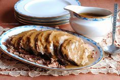 arrosto alla panna Veal Recipes, Roast Beef, Creme, Food And Drink, Meat, Cooking, Anna, Chicken, Elegant