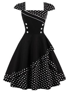 Buttoned Polka Dot Vintage Dress #VintageClothesForBusyMoms
