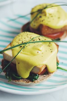 vegan hollandaise sauce | RECIPE on hotforfoodblog.com