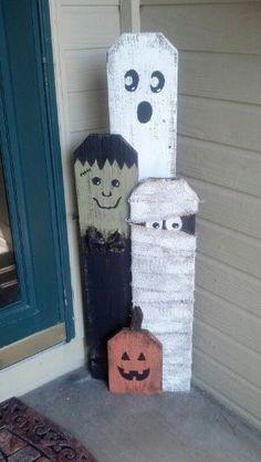 Trick or treating fence pickets -- so cute! Anyone want to make them for me, I have the fence pickets More by carrie