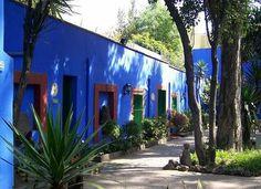 la casa azul frida kahlo - Buscar con Google