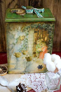Christmas Decoupage Box Christmas Gift Box от elenaaleshina Christmas Gift Box, Handmade Christmas, Vintage Christmas, Christmas Ideas, Christmas Decoupage, Decoupage Box, Tole Painting, Paper Napkins, Decorative Boxes
