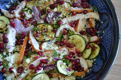 Mijn kookavonturen: Couscous salade met gerookte kip, courgette en granaatappelpitjes